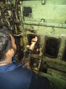 Crankpin Grinding of Diesel Engine While Vessel is Sailing